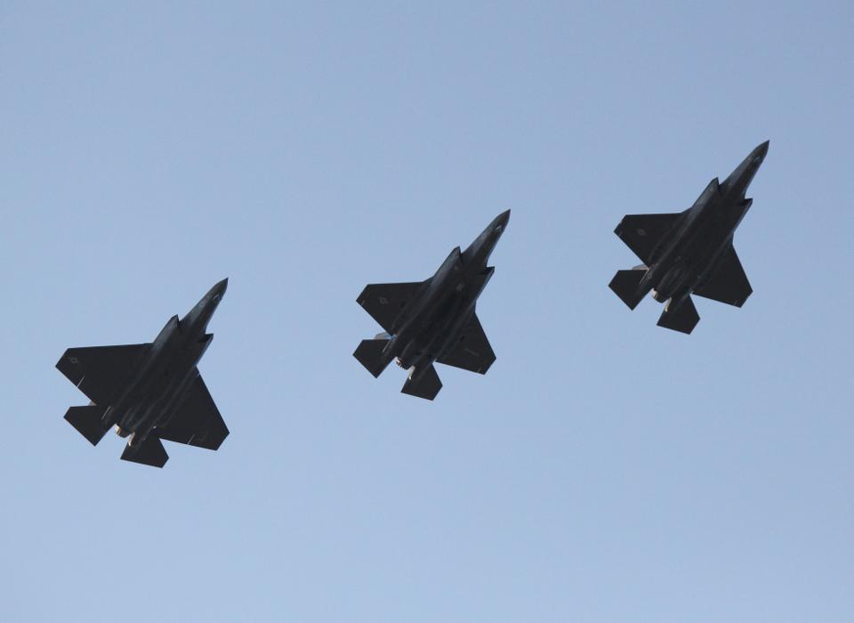 Five Reasons Raytheon Technologies Is Destined To Dominate Aerospace & Defense