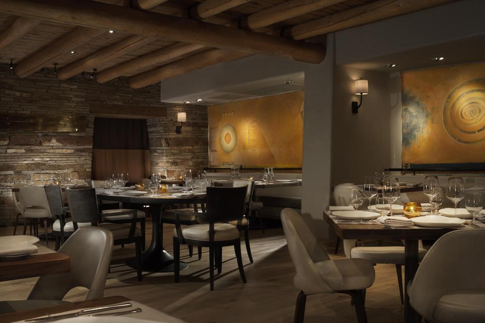 Rosewood Inn of the Anasazi restaurant interior.