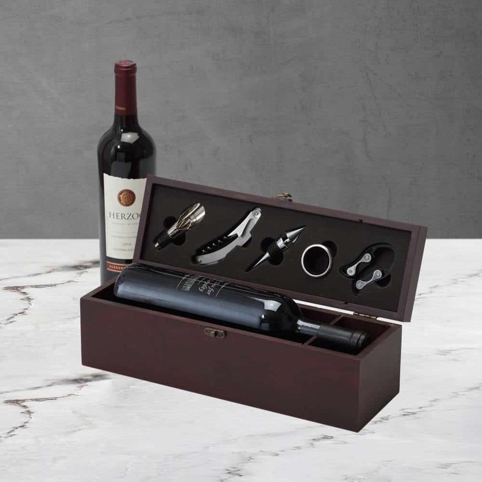 Broadway Basketeers Premium Mahogany Wine Box