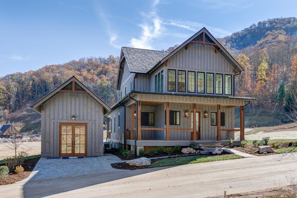 Balsam Mountain Preserve recently unveiled the model cottage for Doubletop Village in November of 2019, which features the Foxtown floorplan.
