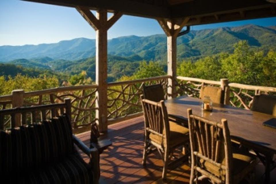 Scenic views from Balsam Mountain Preserve showcase the best of Western North Carolina's Blue Ridge Mountains.