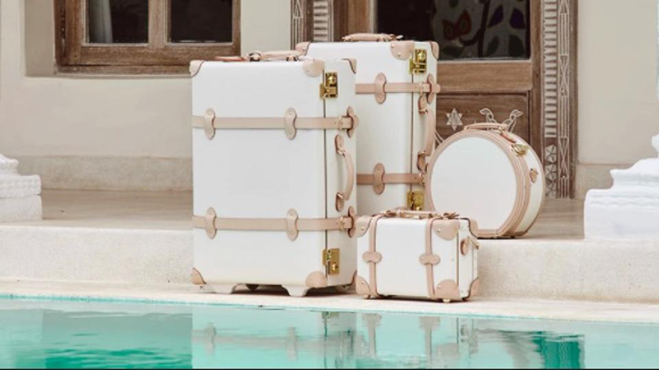 SteamLine Luggage, the Sweetheart Collection