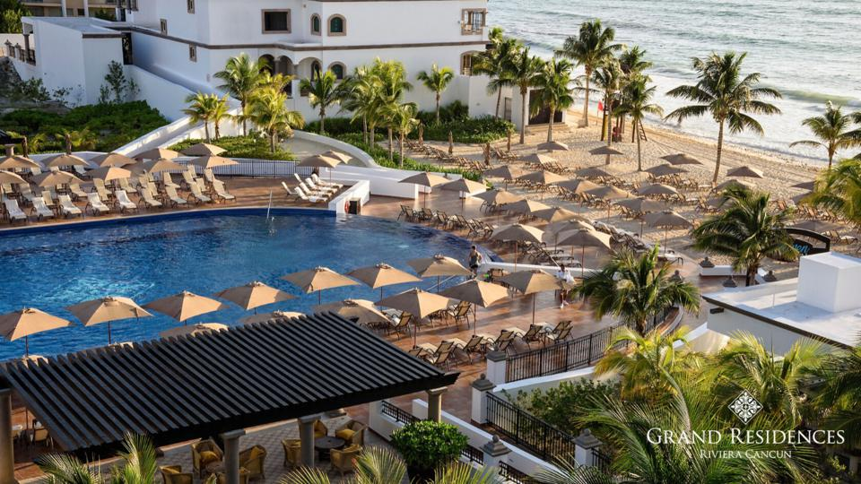 Grand Residences Riviera Cancun Zoom background