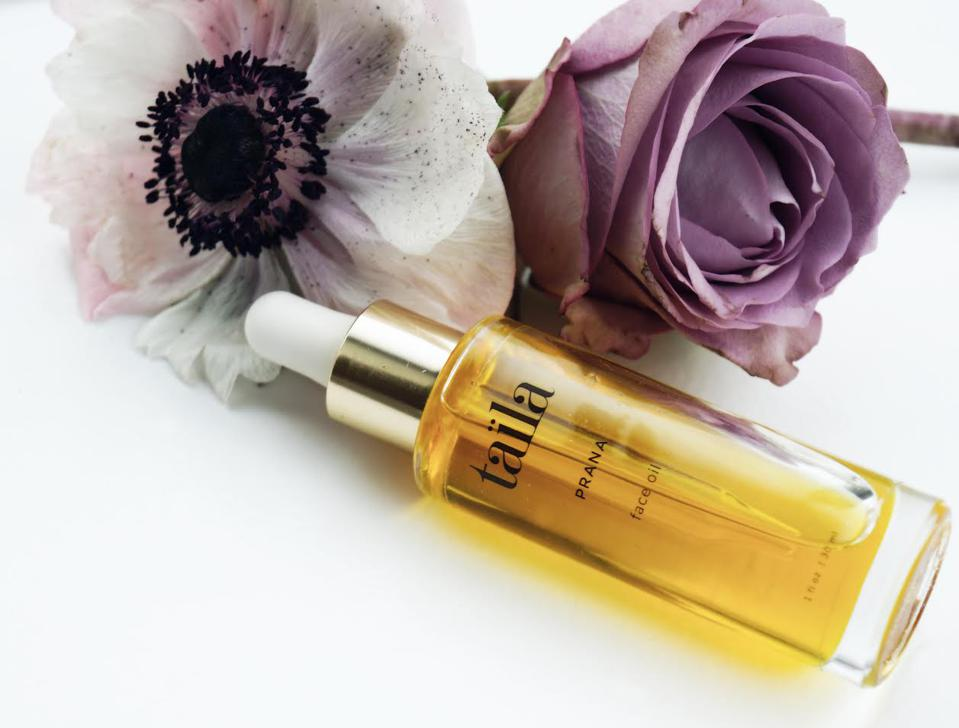 mother's day gift guide. anti-age serum.