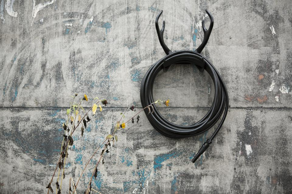Black reindeer wall mount house and nozzle from Garden Glory
