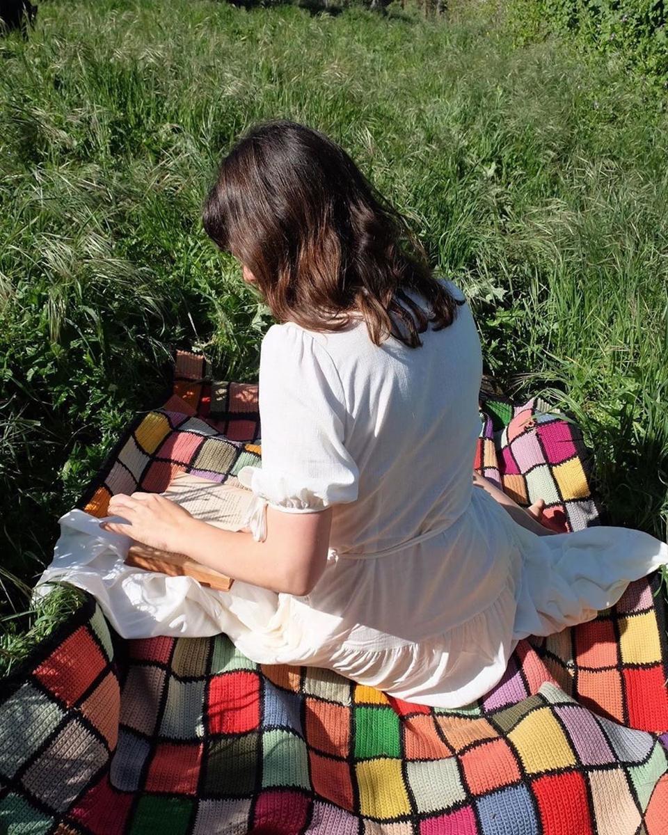 sustainable lounge dresses for quarantine picnics