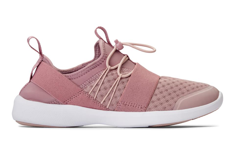 Best at-home cardio workout gift ideas for Mother's Day: Vionic Alaina sneakers