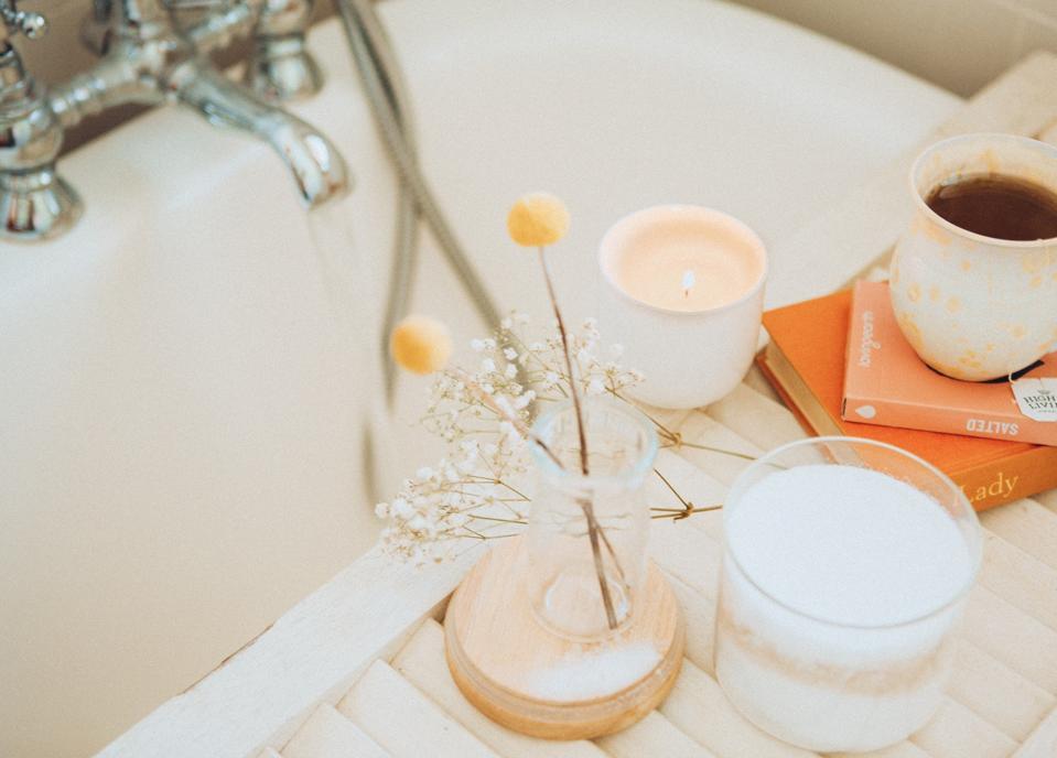 CBD Oil Spa Home Organic Beauty Skincare Bath Scrubs Susanne Kaufmann Aman
