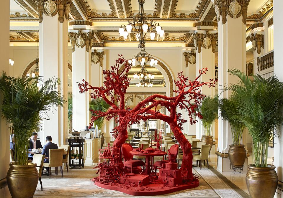 Peninsula Hong Kong's Lobby features an exquisite art display.