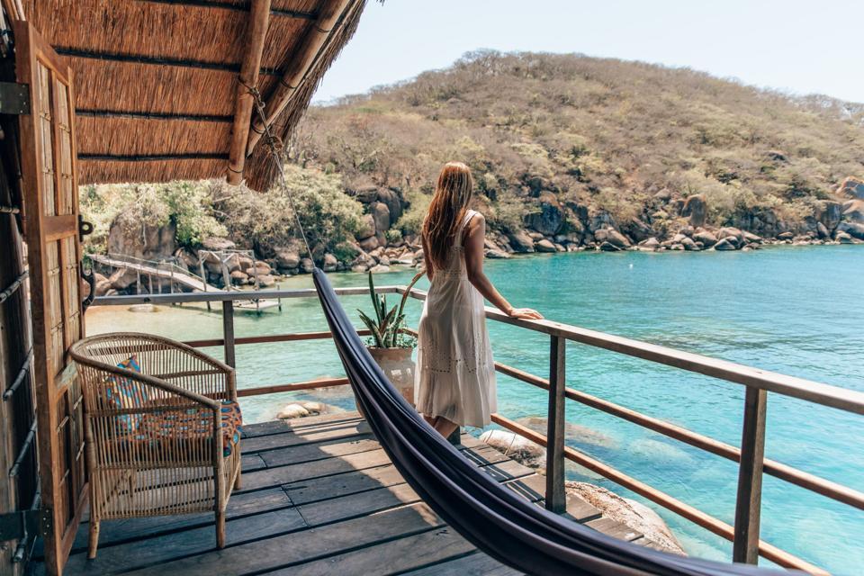 travel, businesswomen, entrepreneuer, solo female travel, sustainability, influencer