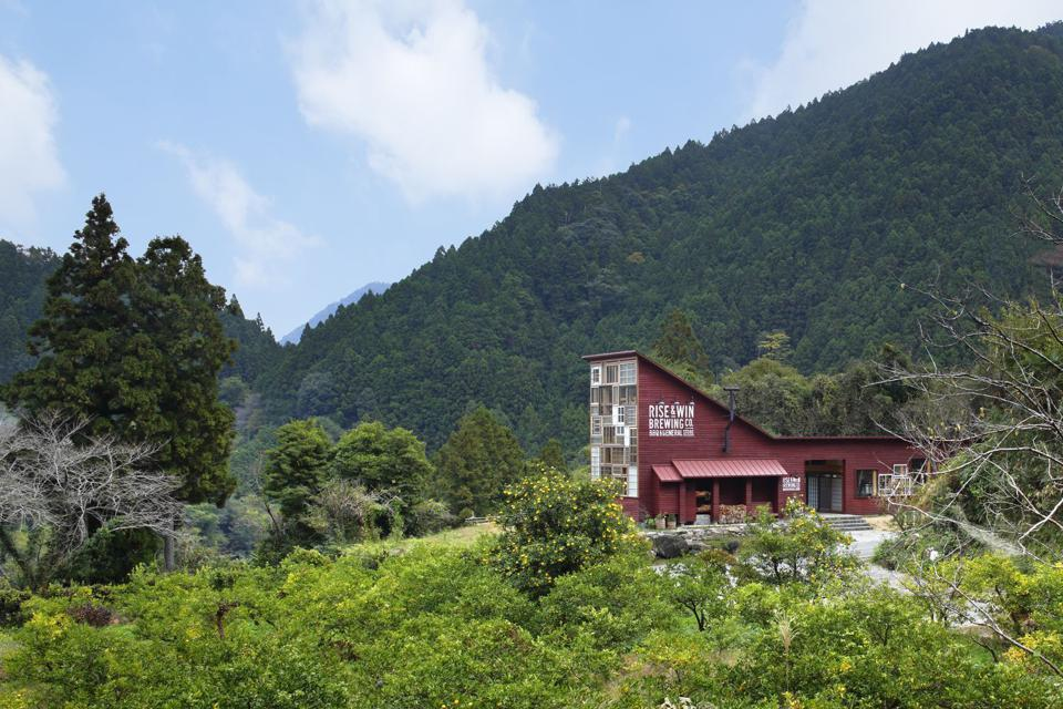 Kamikatz Public House is located in the mountain village town of Kamikatsu in Japan