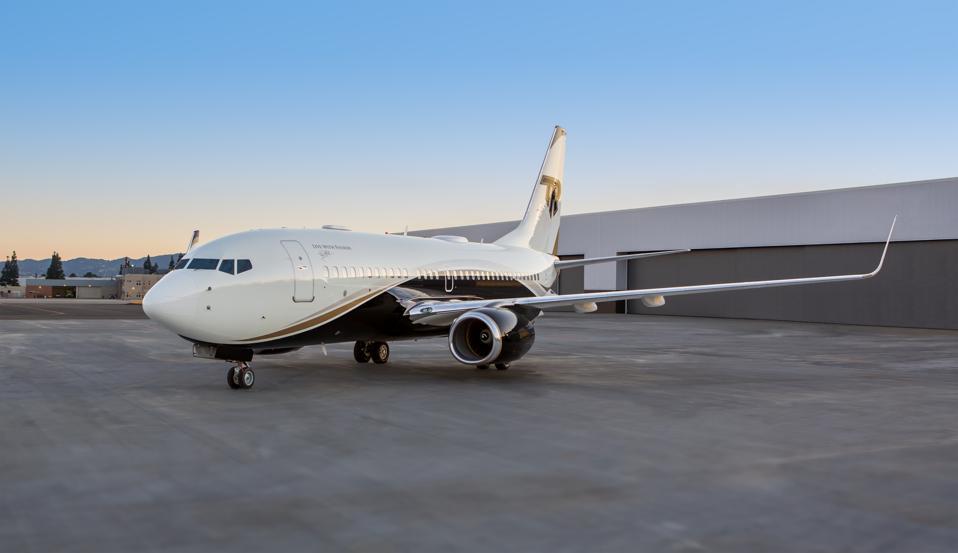 Tony Robbins private jet
