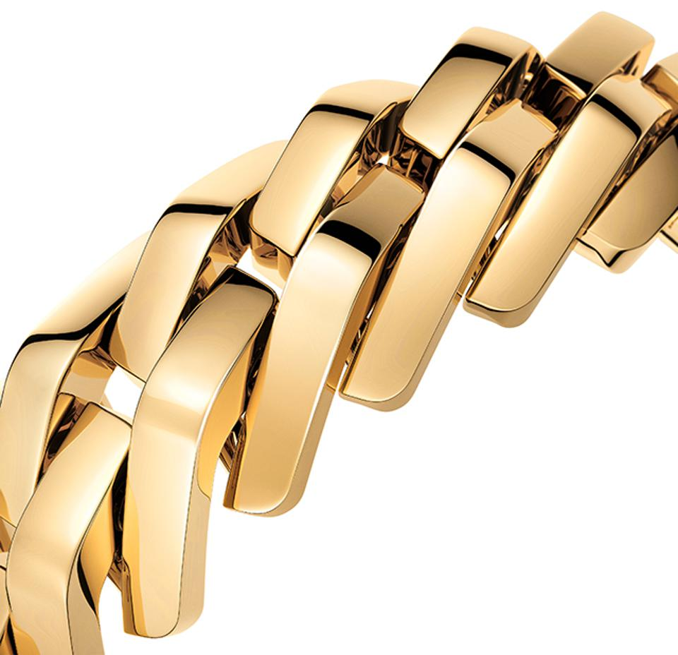 The complex bracelet on the new Cartier Maillon.
