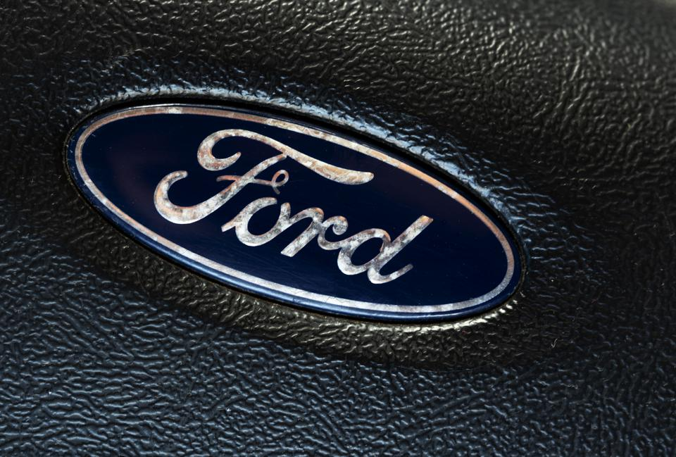 A view of a Ford logo on steering wheel...