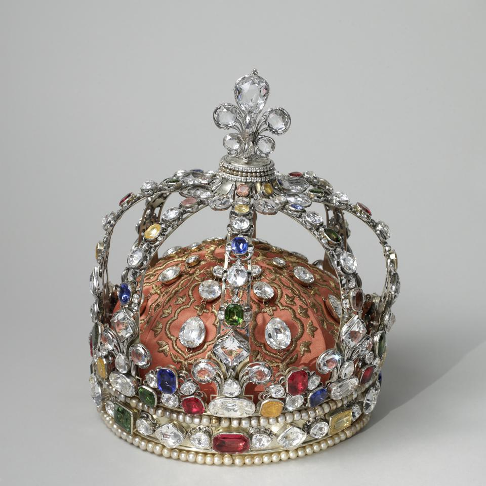 The French Crown Jewels: a crown belonging to Louis XV, known as the personal crown of Louis XV.