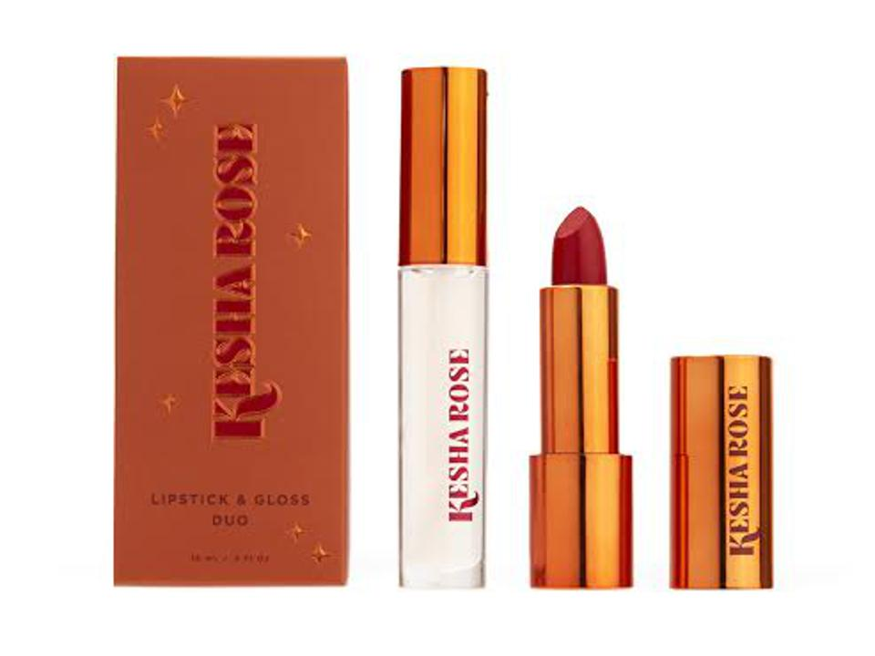 lipsticks stayproof and vegan. mother's day gift guides.