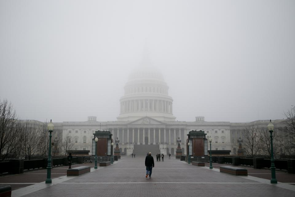 US capitol surrounded by fog