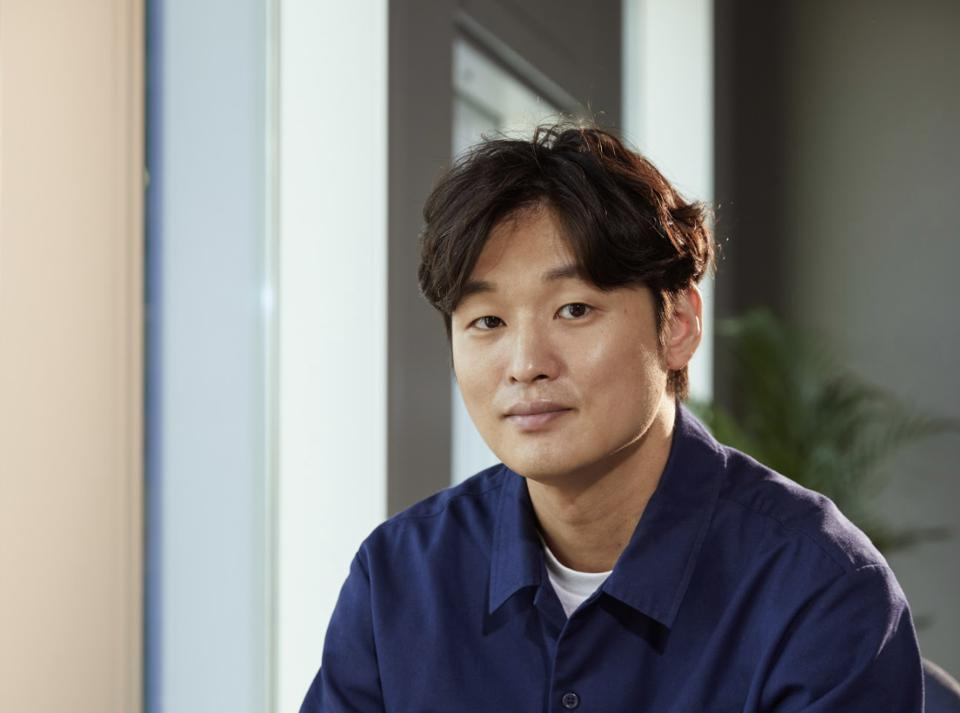 Yoon Sung-hyun wrote the screenplay for and directed 'Time To Hunt.'