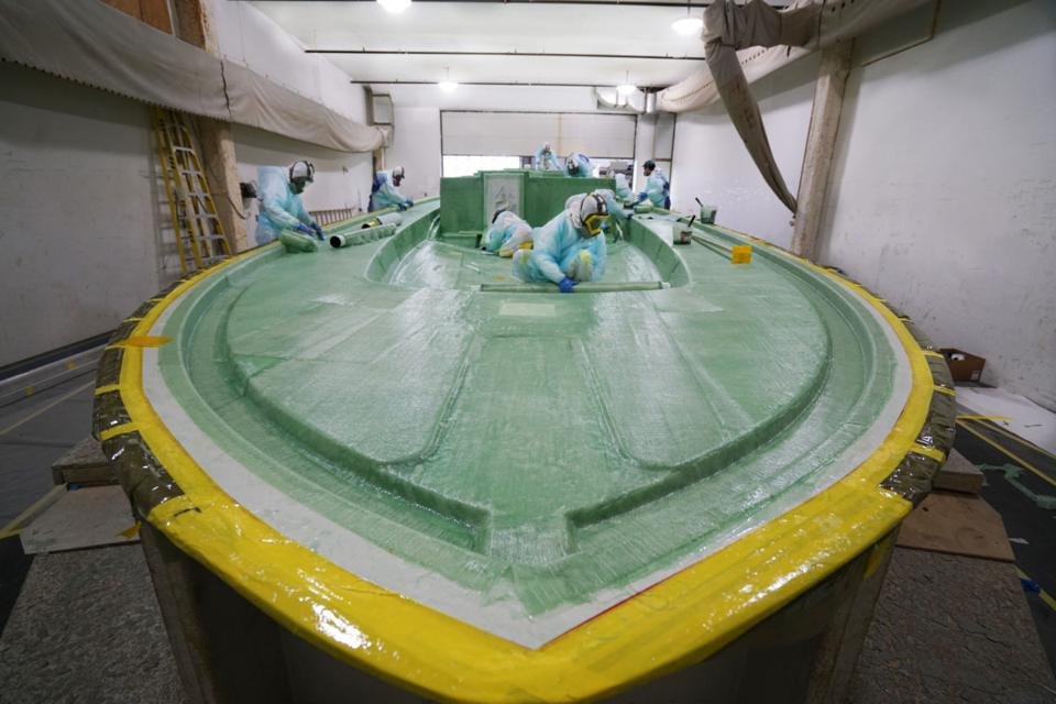 Boston BoatWorks uses high-tech materials and techniques to build high-quality boats.