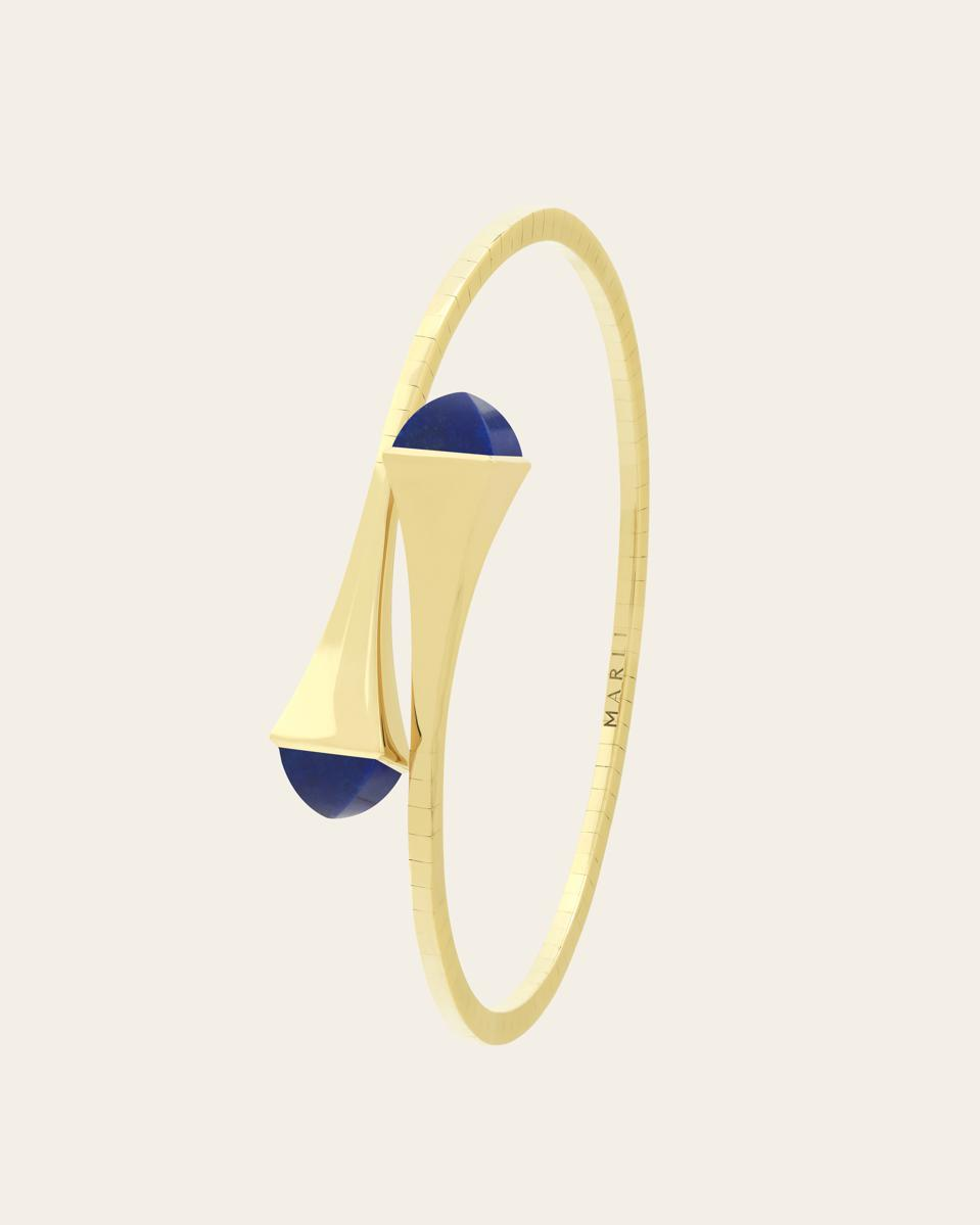 The Cleo Gold Slip-on bracelet comes 18 kt white, rose, and yellow gold with a wide range of stone options