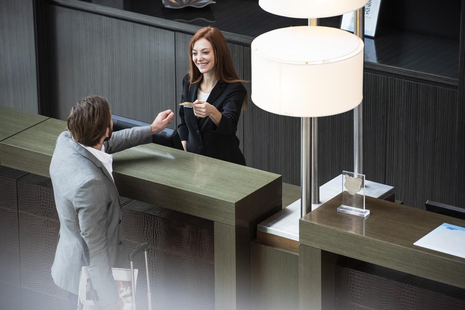 Les hôtels proposent une variété d'offres aux clients pour les voyages post-COVID-19.