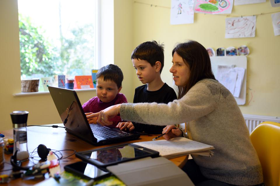 COVID19-VIRUS-ONLINE-LEARNING-PARENTS-SCHOOL-HOME