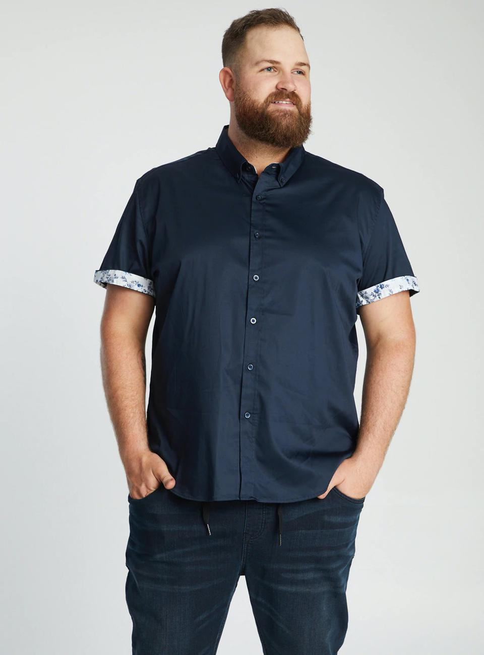 Smarten up your look with the Carter Geo Print Stretch Shirt by Johnny Bigg. Pair it with jeans or chinos and boat shoes for a complete look.