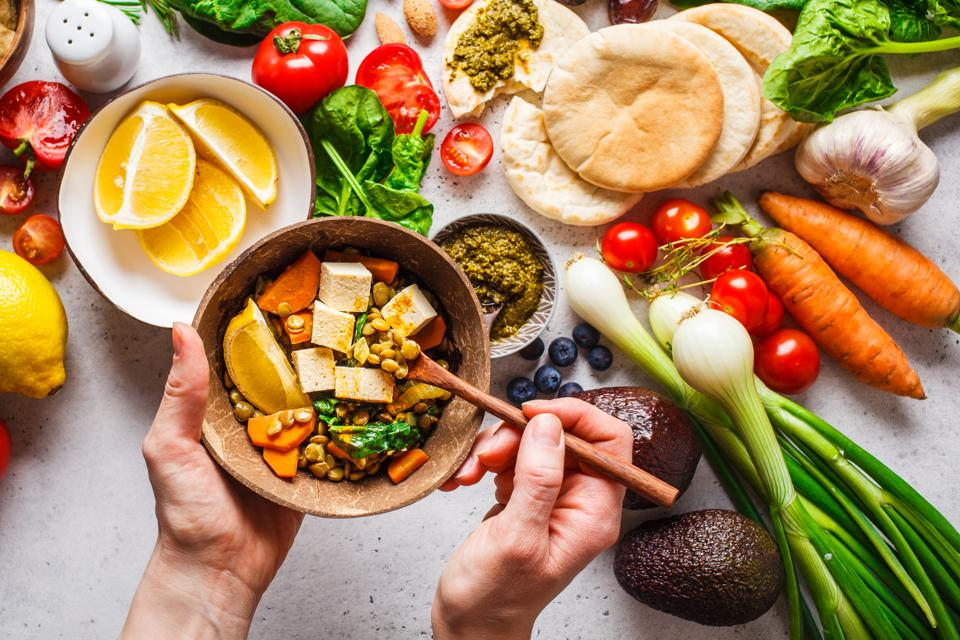 The Biggest Plant-Based Eating Myths That Nutritionists Want You To Stop  Believing