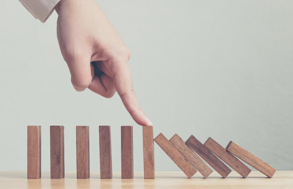 Effective leadership strategy concept: what to do when things go wrong