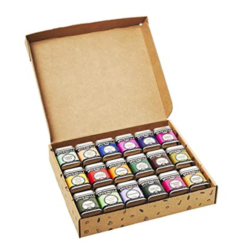 Spicewalla 18-Pack Kitchen Essentials Collection