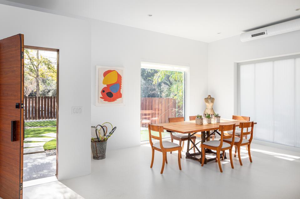 Hampton House is the curious vision of award-winning architect Kevan Hoertdoerfer