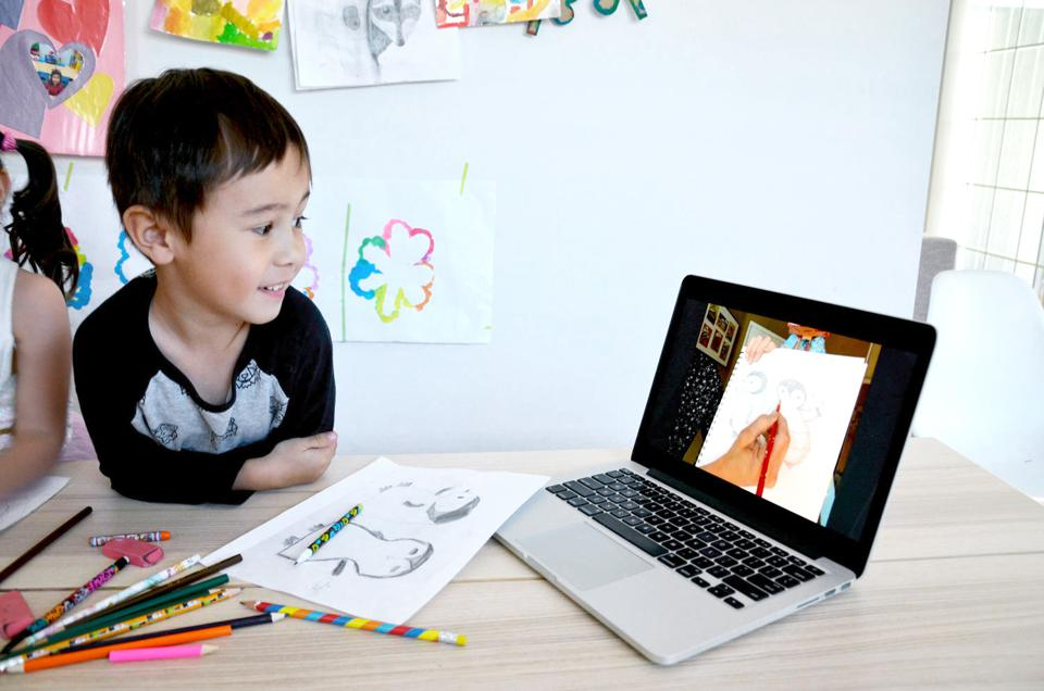 CD Hullinger with CD's Art Studio teaches students how to draw baby penguins on ActivityHero LIVE