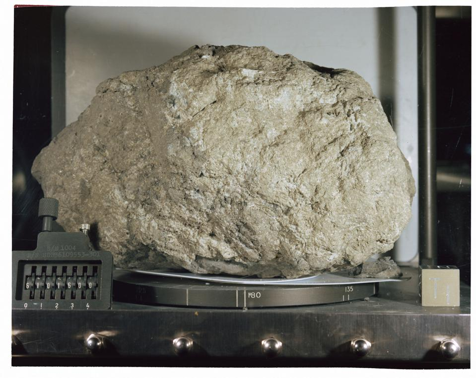 NASA lab photo of Lunar Sample 61016, better known as Big Muley.