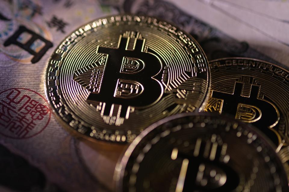 Bitcoin, bitcoin price, bitcoin halving, tether, image