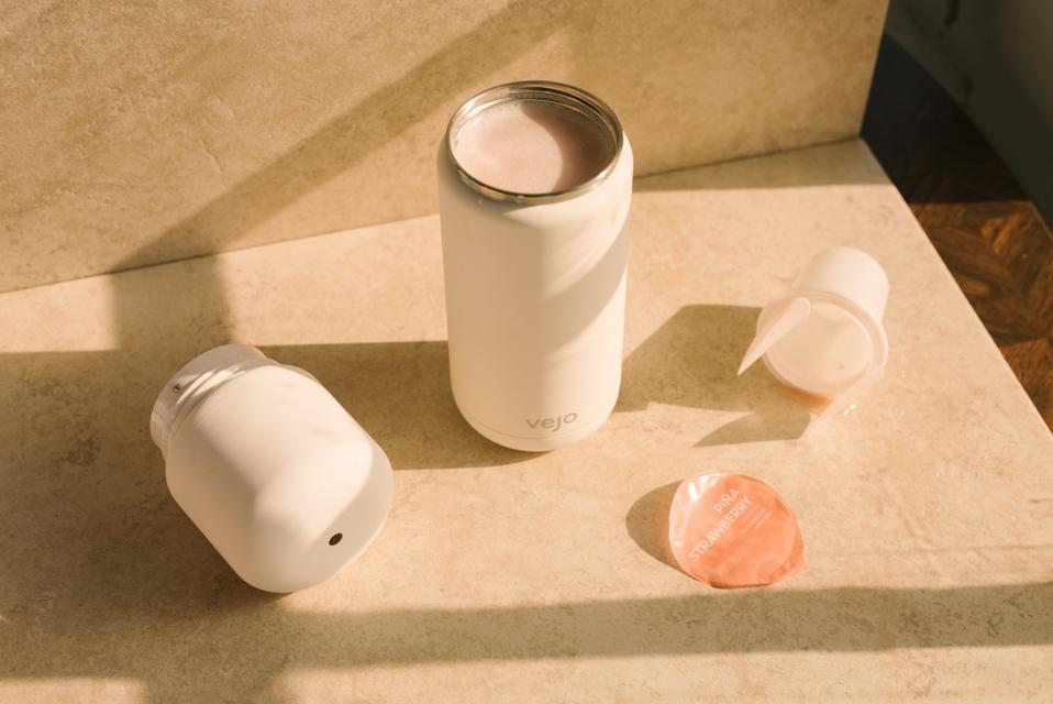 Portable pod-based blender