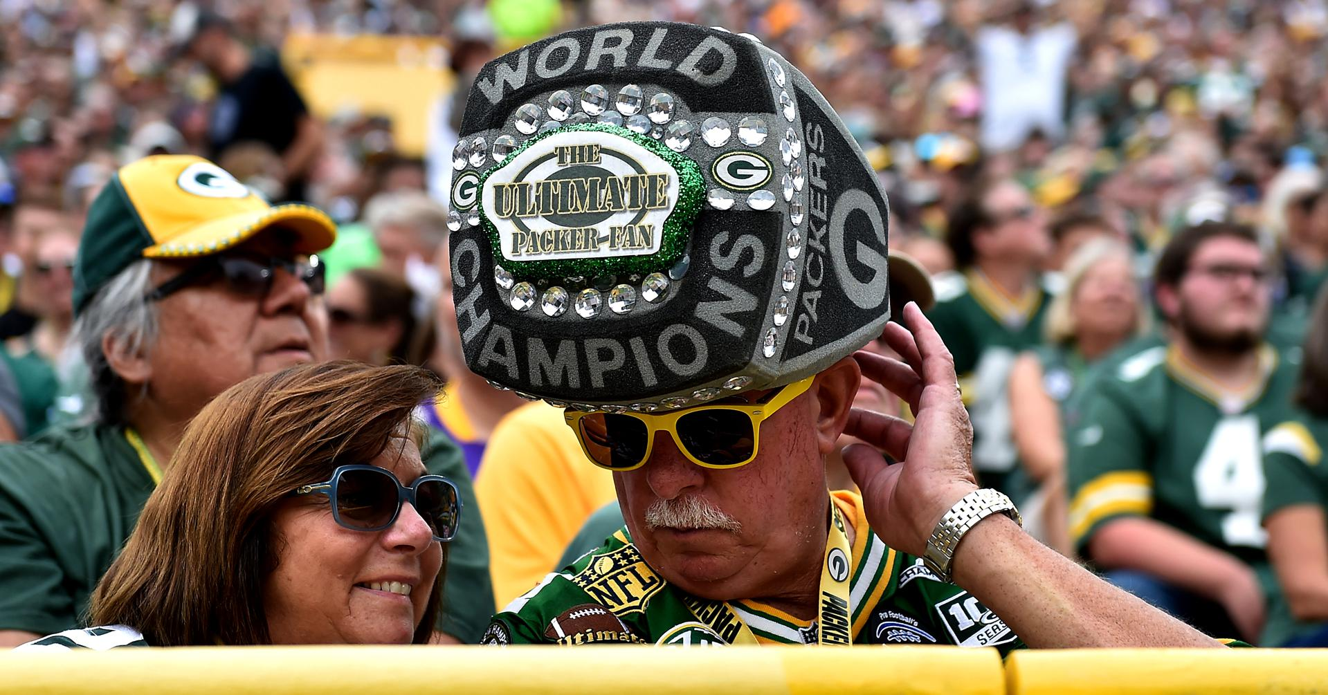 green-bay-packers-by-quinn-harris-getty-images
