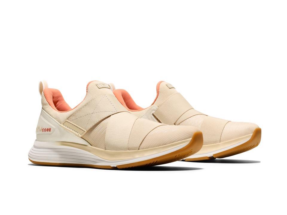 Studio shoe