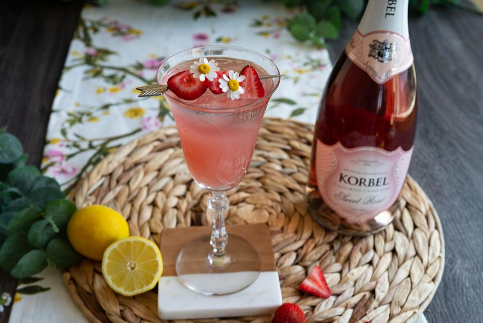 Strawberry Lemonade Spritz