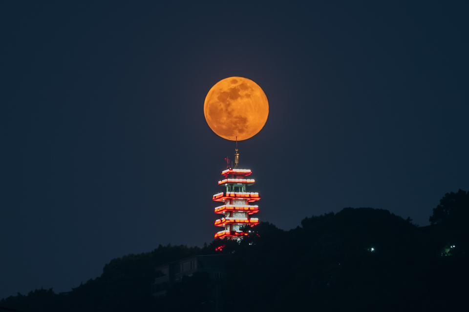 Flower Moon in China