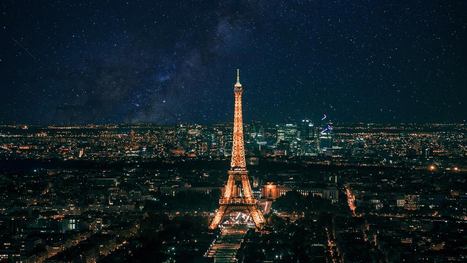 Paris as it could be without light pollution – NOT a real photo!