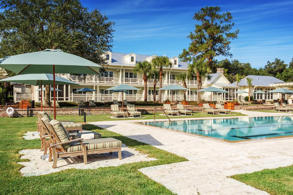 Montage Palmetto Bluff is a five-star hotel with 200 guest accommodations in the form of guest rooms, suites and cottages that makes it possible for those who don't own property there to enjoy all that it has to offer.