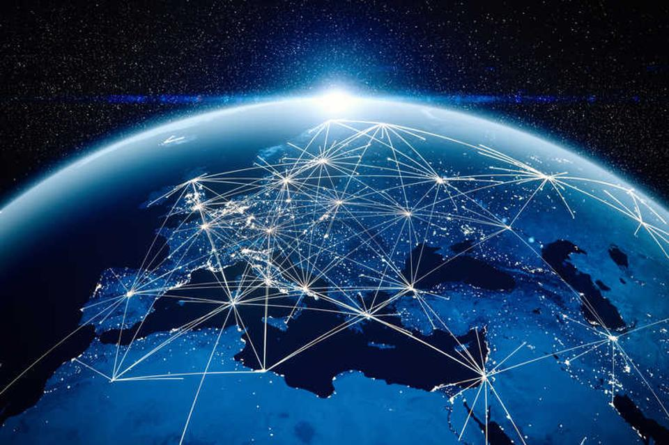 Lines connecting different global hubs in supply chain