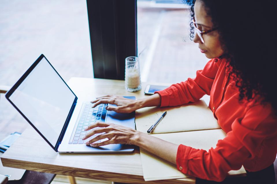 3 Strategies To Help Your Remote Work Team Thrive | Stephanie Burns