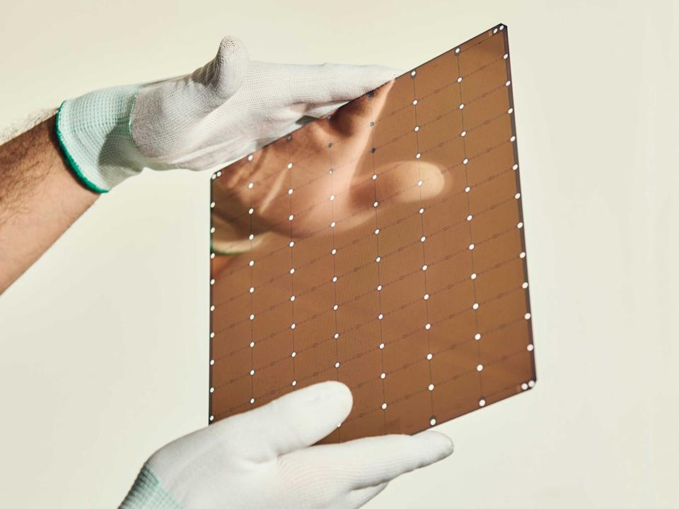 Massive AI chip from Cerebras Systems