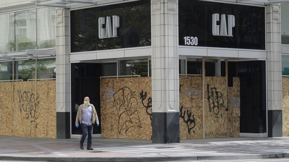 Shuttered Gap store, Seattle, WA