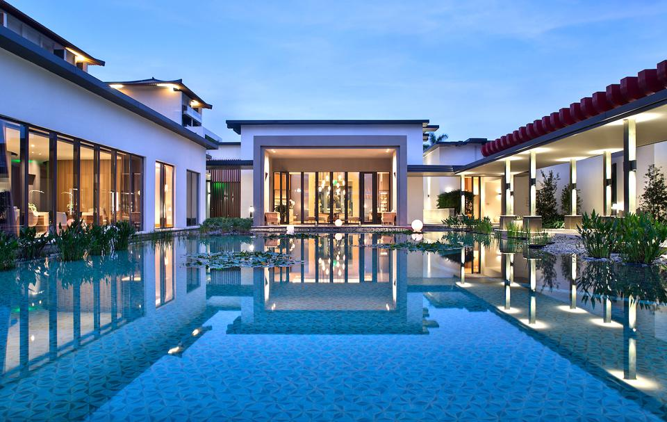 Luxury Asian hotel travel architecture