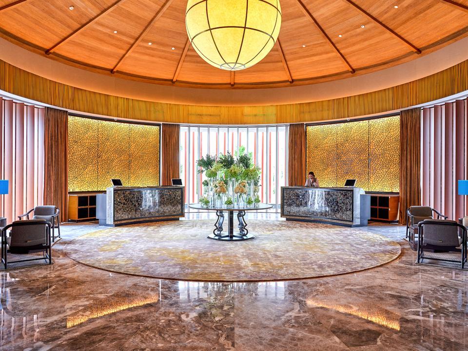 Luxury China travel hotel coronavirus