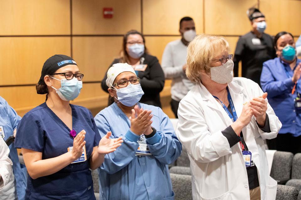 Cheering nurses with maska