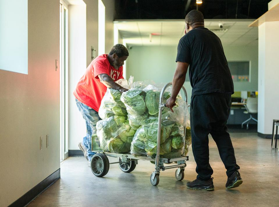 Farmers donate fresh vegetables for delivery to frontline workers