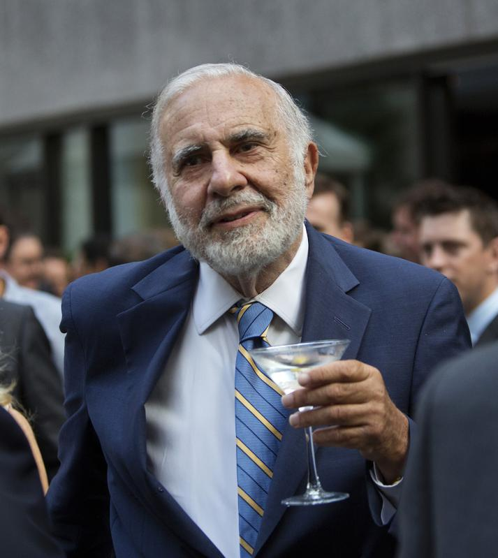 Carl Icahn with a martini glass.